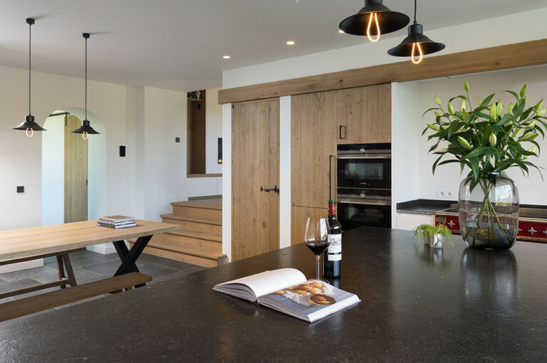 Kooktoestellen houten keuken