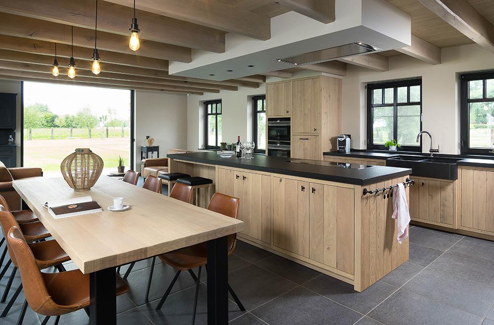 Rustieke eikenhouten keuken