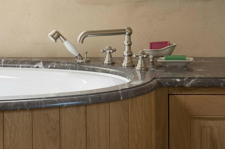 Kraan badkamermeubel detail