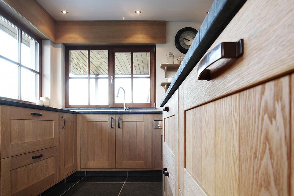 De Eikenhouten Keuken : Een landelijke houten keuken op maat de bosbeke