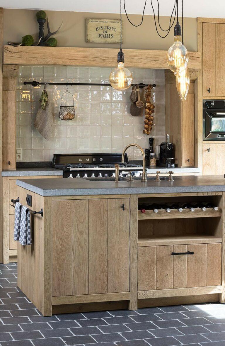 Traditionele massieve houten keukens