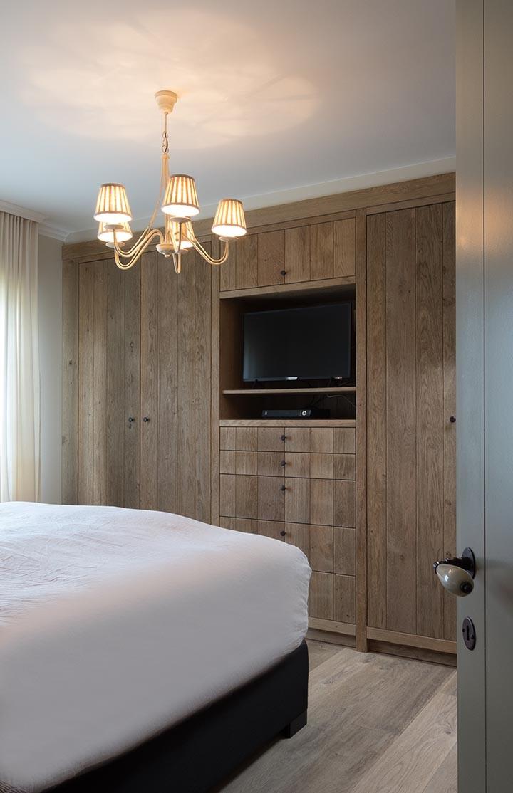 Eikenhouten slaapkamer in chaletstijl