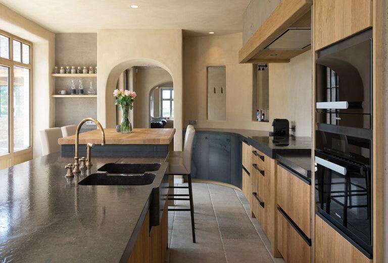 Warme eikenhouten keuken