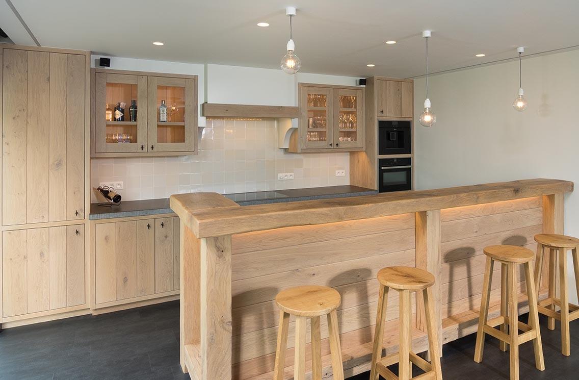Uitschuifbaar Werkblad Keuken : Ontdek de voordelen van een geïntegreerde keukentafel