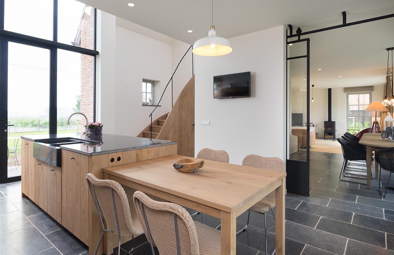 Keuken Met Eiland En Tafel : Ontdek de voordelen van een ge?ntegreerde keukentafel