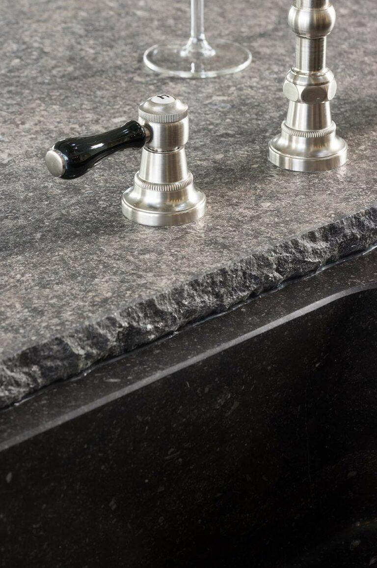 Detail afwerking granieten werkblad