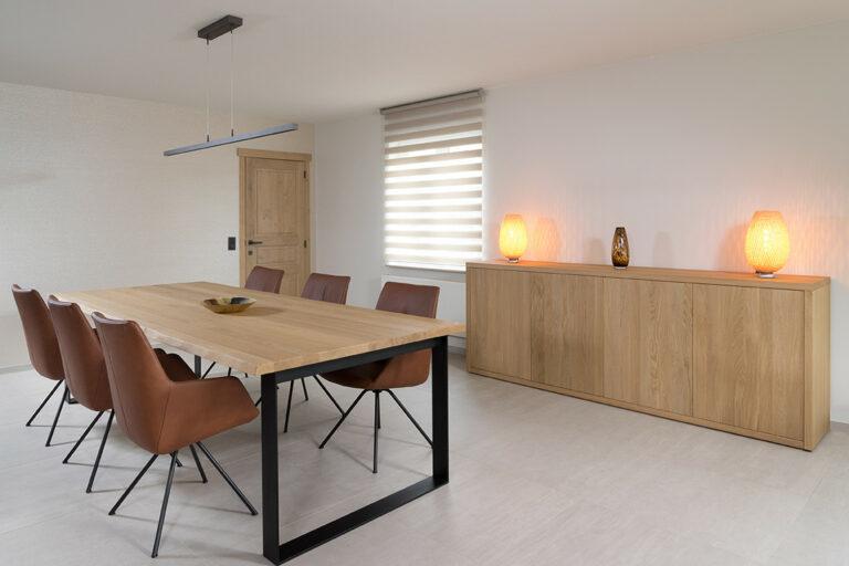 Ruime houten commode voor living