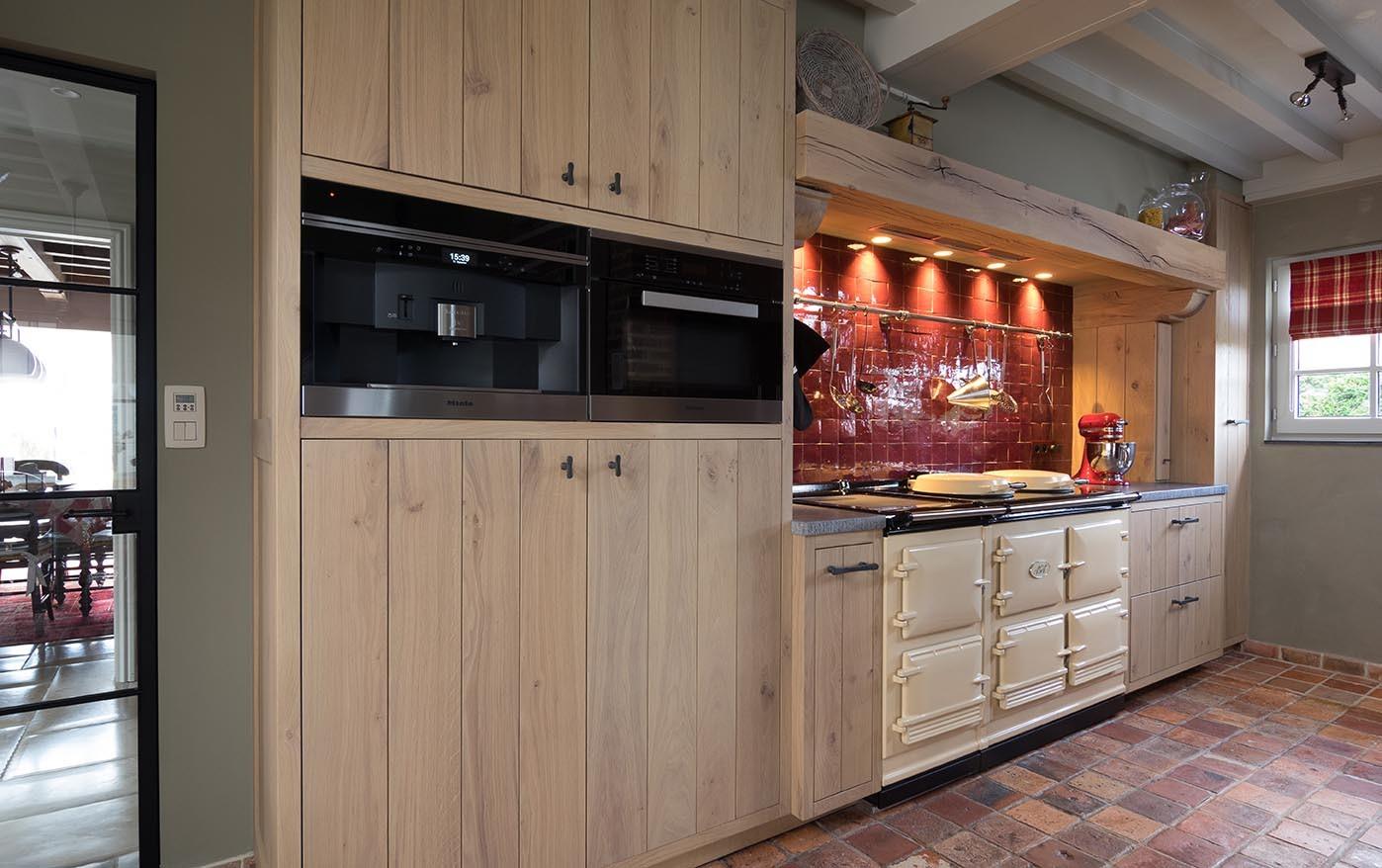 Moderne Retro Keuken : Massief eiken retro keuken op maat de bosbeke