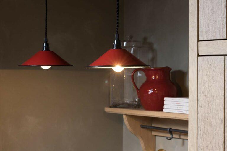Nostalgische lampjes met rood accent